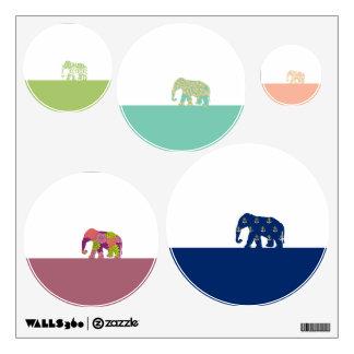Elefantes lindos en el camino vinilo decorativo