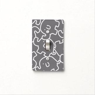 Elefantes lindos grises y cubierta de interruptor placas para interruptor