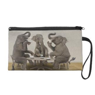 Elefantes que tienen la fiesta del té