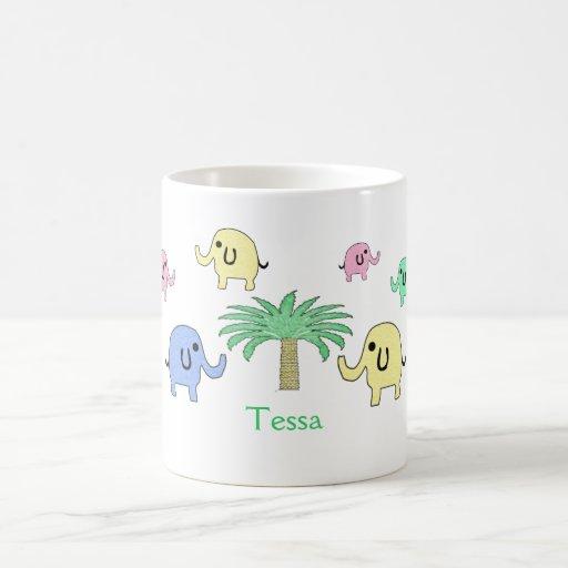 Elefantes y taza en colores pastel de la palmera