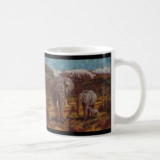 Elefantes y tazas de café de Kilimanjaro