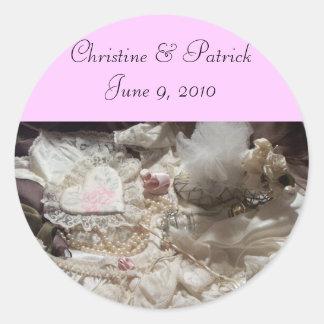 Elegance & Romance Classic Round Sticker