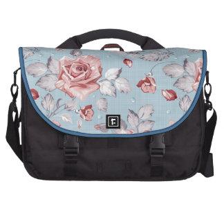 Elegance wallpaper pattern of pink roses 2 commuter bag