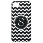 Elegancia retra del zigzag blanco y negro de Chevr iPhone 5 Case-Mate Protectores