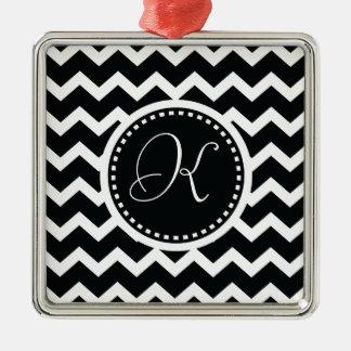 Elegancia retra del zigzag blanco y negro de adorno cuadrado plateado