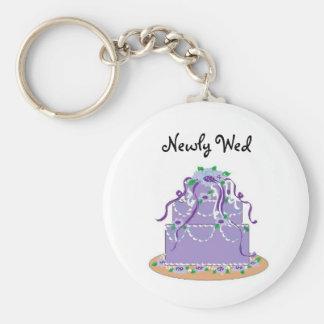 Elegant Blue Wedding Cake - Newly Wed Basic Round Button Keychain