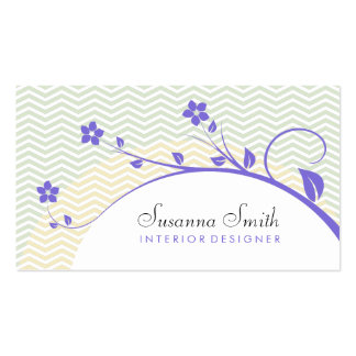 Elegant calling card with flowers and chevrón business card template