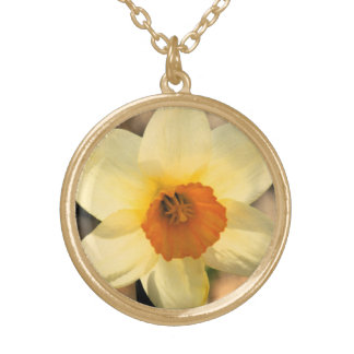 Elegant Daffodil Floral Gold Chain Necklace