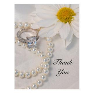 Elegant Daisy Wedding Thank You Postcard