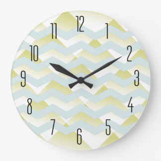Elegant Gold Clock Design