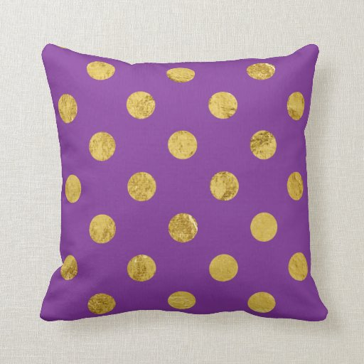 Elegant Gold Foil Polka Dot Pattern - Purple Throw Pillow