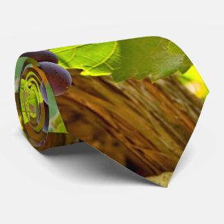 Elegant Grape tree Tie