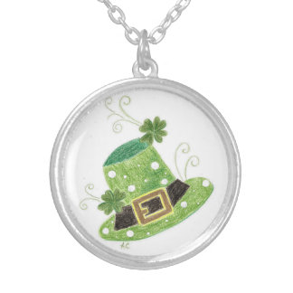 Elegant green leprechaun's hat with polka dots silver plated necklace