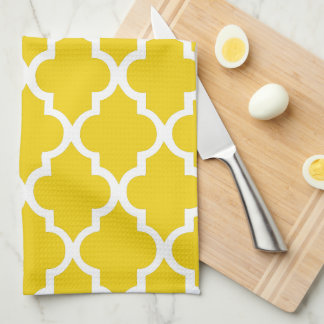 Elegant Lemon Yellow Quatrefoil Tiles Pattern Towel