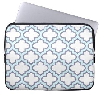 Elegant Light Blue Moroccan Quatrefoil Pattern Computer Sleeve
