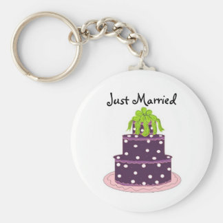 Elegant Purple Wedding Cake - Just Married Basic Round Button Keychain