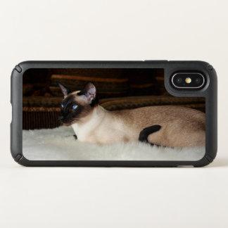 Elegant Siamese Cat Speck iPhone X Case