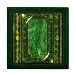 Elegant victorian vintage green jade keepsake box