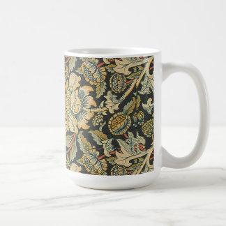 Elegant Vintage Floral Coffee Mug