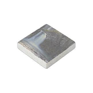 Elegant water falls stone magnet