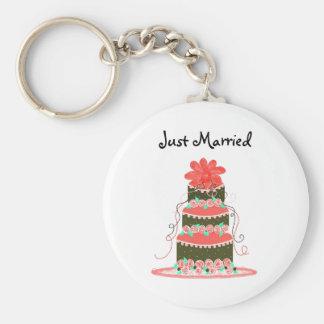 Elegant Wedding Cake - Just Married Basic Round Button Keychain