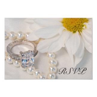 Elegant White Daisy Wedding RSVP Response Card