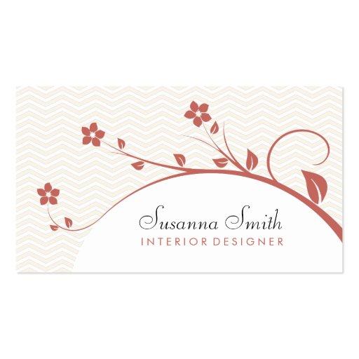 Elegante tarjeta de visita con flores y chevrón