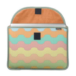 Elegantes olas mar de colores y geometría ondulada fundas macbook pro