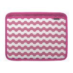 Elegantes ondas marinas de geometría rosa funda macbook air