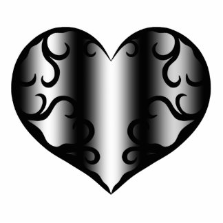 Elegantly pretty gothic heart statuette