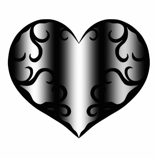 Elegantly pretty gothic heart statuette