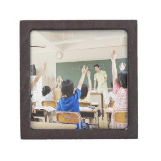 Elementary school students at school 2 jewelry box