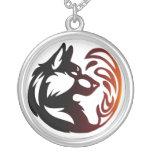 Elemento del lobo tribal - fuego colgante redondo