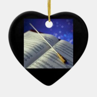Elementos 4 del conductor de orquesta adorno navideño de cerámica en forma de corazón
