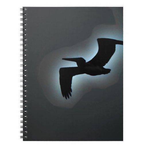 Elevación sobre el océano spiral notebook
