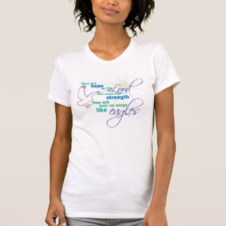 Elévese en la camiseta cristiana de la escritura