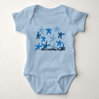Elija algo como una estrella body para bebé