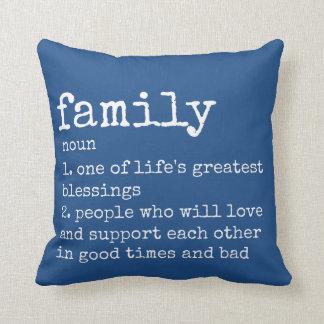 Elija su almohada azul de la familia de la