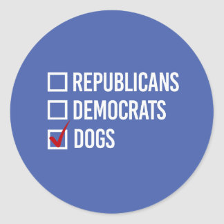 Elijo perros sobre las políticas - el blanco - pegatina redonda