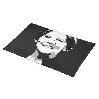 Elizabeth Warren hace frente Manteles