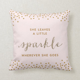 Ella deja una pequeña almohada de tiro de Sparkle™ Cojín Decorativo