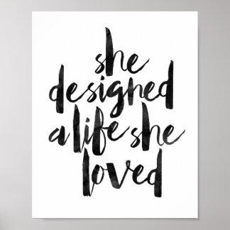 Ella diseñó una vida que ella amó póster