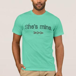 Ella es la mía., >>> playera