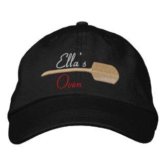 Ella, horno gorras bordadas