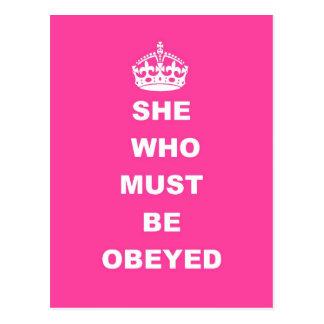 Ella que debe ser obedecida postal
