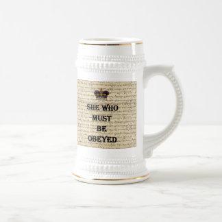Ella que debe ser obedecida taza