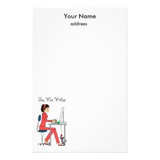 Ella que escribe los efectos de escritorio/rojo+br  papeleria de diseño