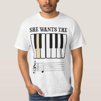 Ella quiere la música del piano de D Playera