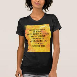 """""""Ella se arde camiseta"""" para las mujeres"""
