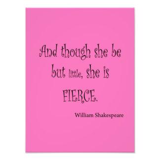 Ella sea pero poco ella es cita feroz de Shakespea Fotografía